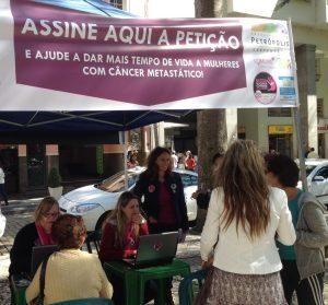 Campanha Por Mais Tempo tem adesão na Praça Dom Pedro