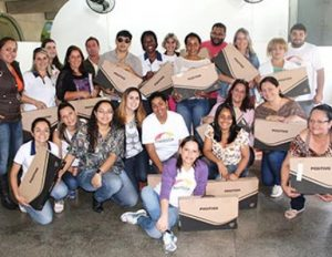 Consórcio Travessia presenteia professores macuquenses com Laptops