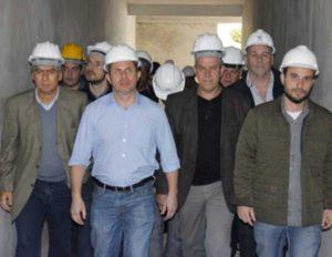 Secretário Estadual de Saúde visita obras do Hospital de Oncologia em Nova Friburgo