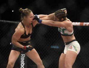 Com direita potente, Ronda nocauteia Bethe de forma devastadora em 34s