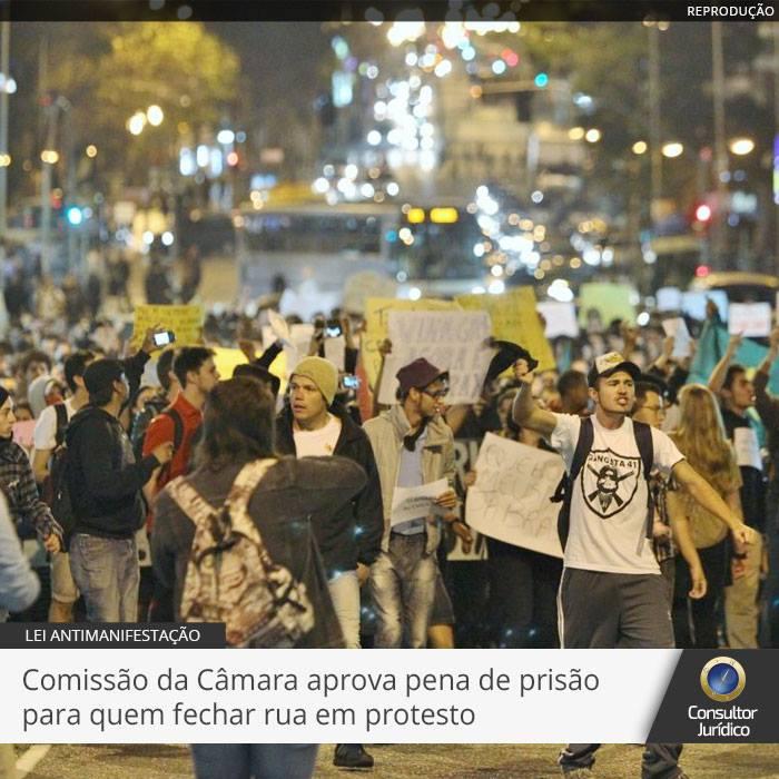 Comissão da Câmara aprova pena de prisão para quem fechar rua em protesto