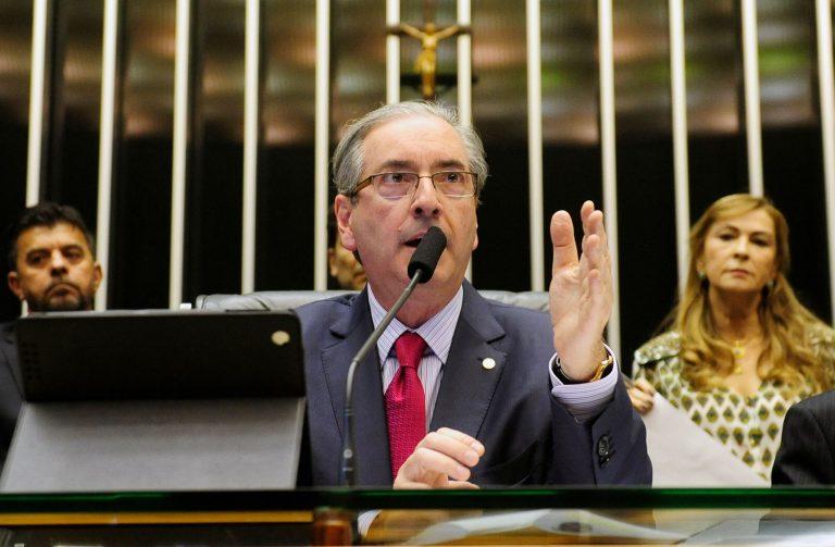 Cunha acusa governo de tentar 'calar e 'retaliar' sua atuação política