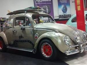 Amantes de carros antigos realizam evento beneficente em Petrópolis