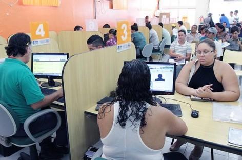Macaé, abre a semana com 358 vagas de emprego