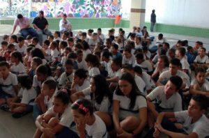 Prejuízo causado por corrupção faz Petrobras cortar verba de projetos sociais