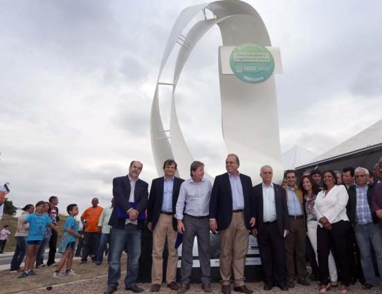 Pezão inaugura nova avenida em Itatiaia