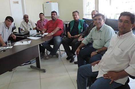 Presidente do legislativo cordeirense recebe a visita do Subsecretário de Estado de Habitação e do Diretor de Cadastro e Cartografia do ITERJ
