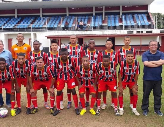 Triunfos e derrotas marcam o final de semana do futebol macuquense