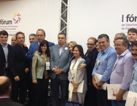 Prefeito Rogério Cabral participa do I Fórum de Valorização dos Municípios do Estado do Rio de Janeiro