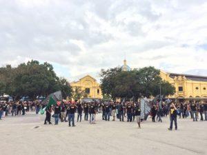 Congresso retoma atividades sob expectativa da reação de Cunha