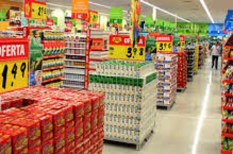 Mercado Extra é autuado por vender produtos fora da validade em Friburgo