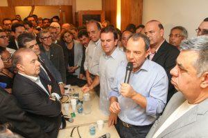 PMDB-RJ lota sede no Rio em lançamento das pré-candidaturas às eleições de 2016