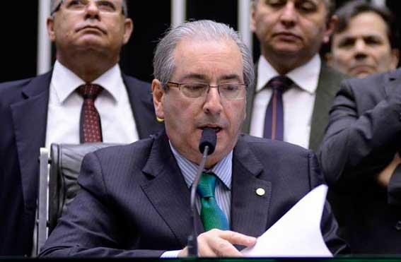 Cunha diz que começa a despachar pedidos de impeachment nesta semana
