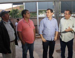 Secretário estadual de Saúde visita obras do Hospital de Macuco