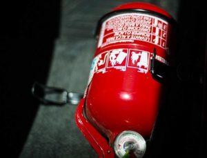 Extintor deixa de ser obrigatório em carros que circulam no Brasil