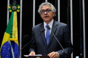 Ronaldo Caiado apresenta PEC que proíbe criação de impostos por quatro anos