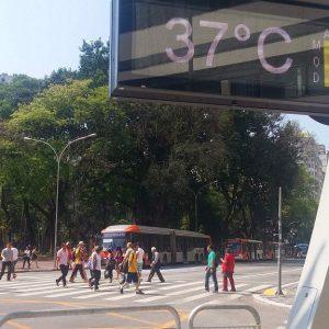 Brasil se prepara para um verão de temperaturas extremas