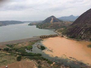 Baixo Guandu, ES, suspende captação da água do Rio Doce