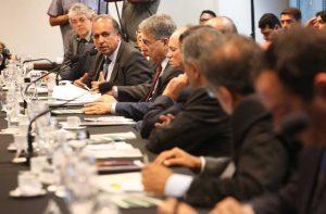 Pezão e outros 14 governadores se reúnem para discutir reforma do Estado