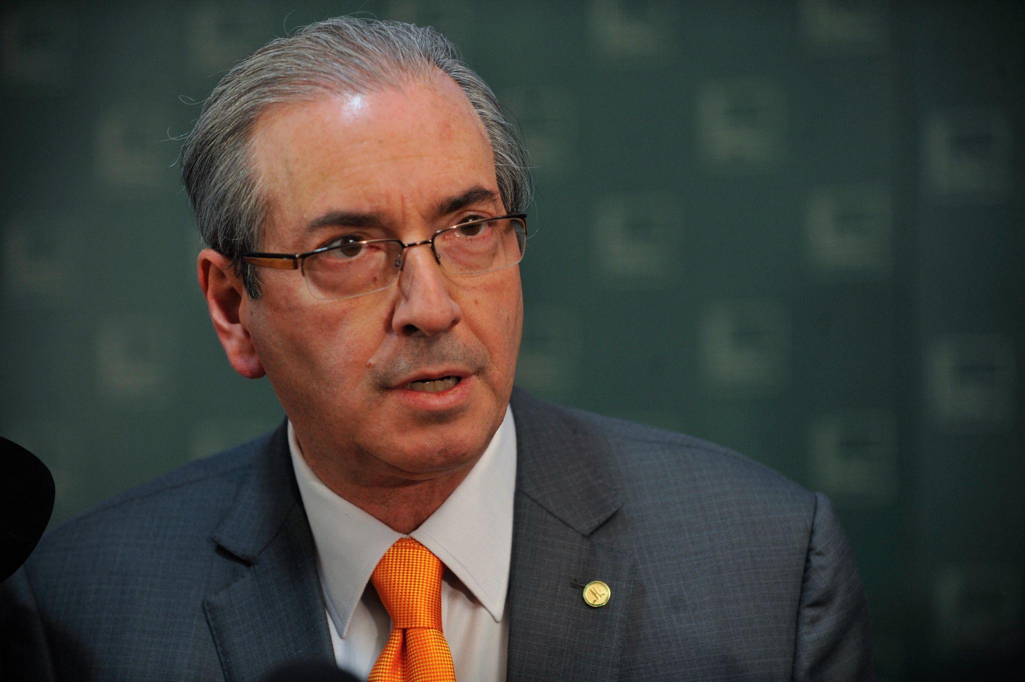 Peemedebistas preferem Cunha fora de congresso para evitar 'desgaste'