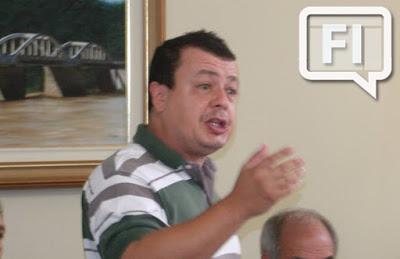Prefeito de Aperibé anuncia que renunciará ao cargo