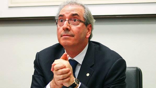 Eduardo Cunha anuncia que autorizou processo de impeachment de Dilma