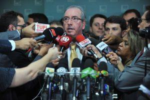Decretos e pedalada baseiam decisão de Cunha