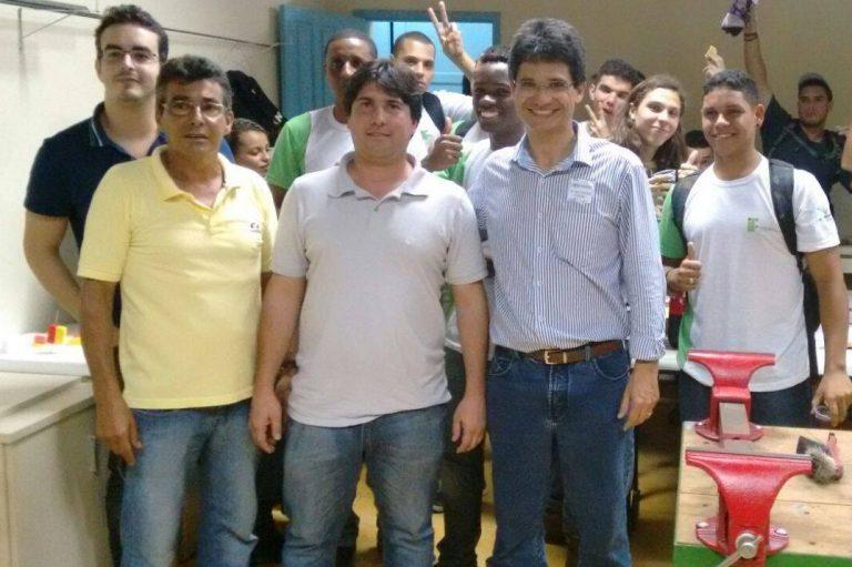 Futuro reitor do IFF visita Escola Técnica de Cordeiro