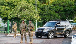 Polícia Federal cumpre mandado de busca e apreensão na casa de Cunha