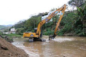 Programa Limpa Rio realiza obra de combate às enchentes no município de Bom Jardim