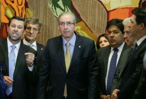 Oposição faz acordo para salvar Eduardo Cunha e prosseguir com impeachment