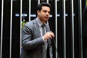 Leonardo Picciani volta à liderança da bancada do PMDB