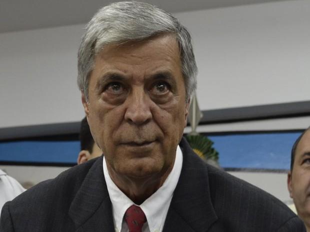 Prefeito de Teresópolis, ameaça renunciar em reunião com o MP
