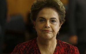 Saída do PMDB do governo leva oposição a se reorganizar para derrubar Dilma