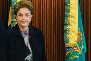 Dilma diz que não vai renunciar