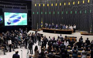 Deputados admitem ter usado partido novato como ponte para outras legendas