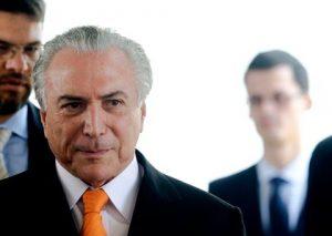 Cúpula do PMDB abandona Dilma e Lula