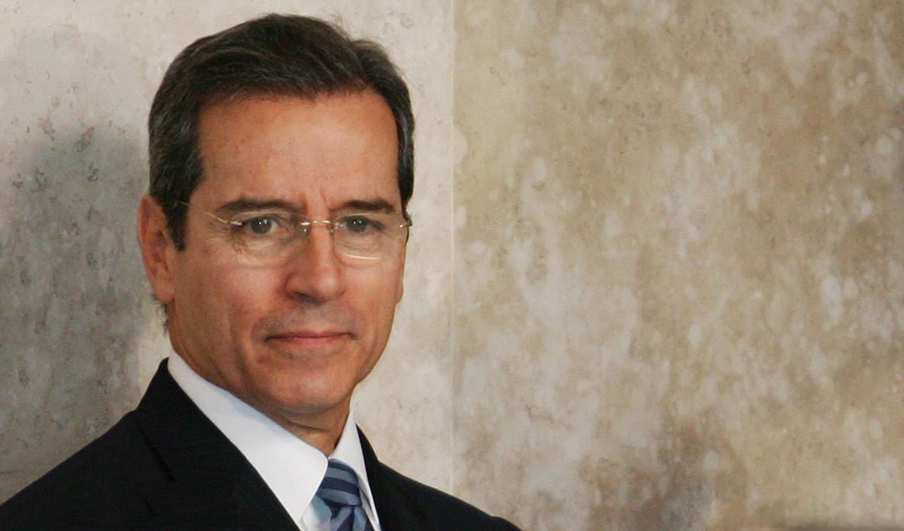 Ex-senador Luiz Estevão se entrega e está preso na Polícia Civil, em Brasília