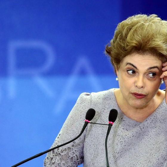 Dilma tenta segurar PSD e PTB na base do governo