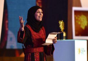 Palestina ganha prêmio de melhor professora do mundo