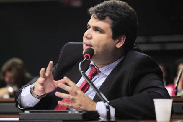 Deputado federal sofre tentativa de sequestro relâmpago em Caxias