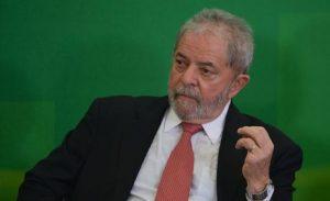 Janot envia ao Supremo parecer contra posse de Lula na Casa Civil