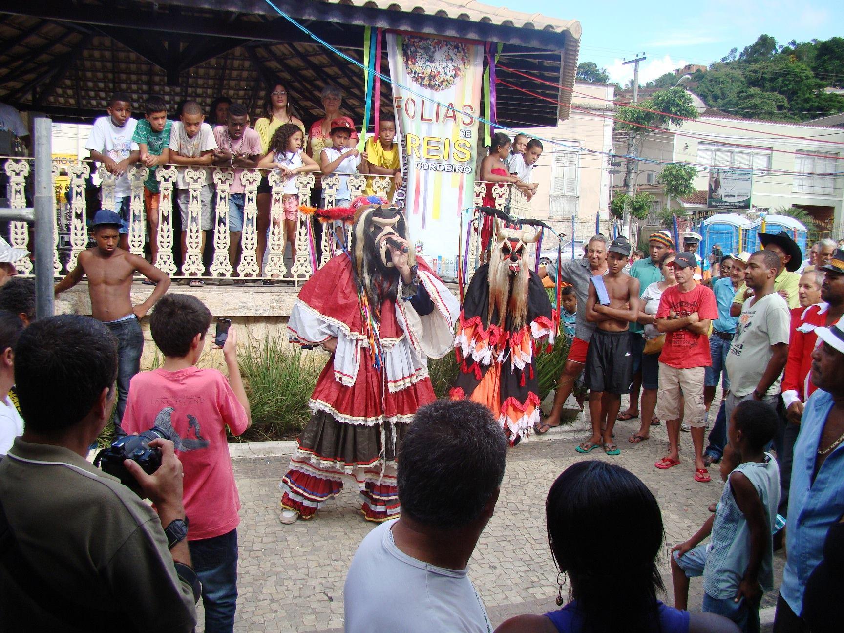 Folias de Reis enaltecem a cultura popular em Cordeiro
