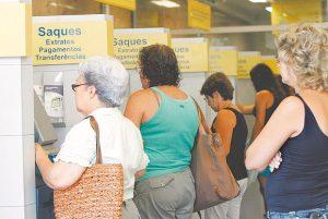 Mais de 15 milhões de idosos têm dinheiro no PIS e Pasep