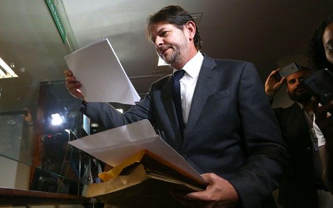 Cunha rejeita pedido de impeachment contra Temer apresentado por Cid Gomes