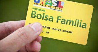 Governo interino paga Bolsa Família sem reajuste; Dilma critica decisão