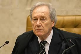 Renan quer que Lewandowski assuma condução do impeachment após admissibilidade