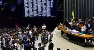 Processo de impeachment, comissões e votações movimentam semana na Câmara