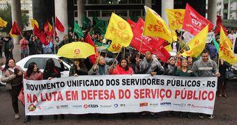 Reforma fiscal do governo prevê demissão voluntária de servidores