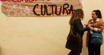 Atos contra fusão do Ministério da Cultura à Educação ocorrem em 18 capitais